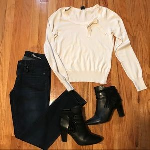 Sweaters - Gap Crewneck Sweater with Bow